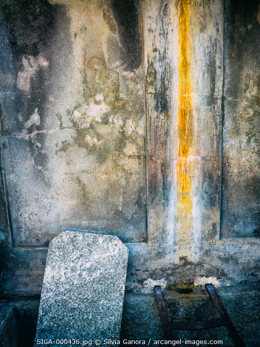 Slab stone in old decayed fountain- ©Silvia Ganora Photography - All Rights Reserved