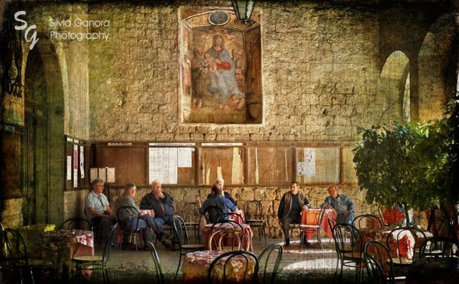 Italian conversation at the café- ©Silvia Ganora Photography - All Rights Reserved