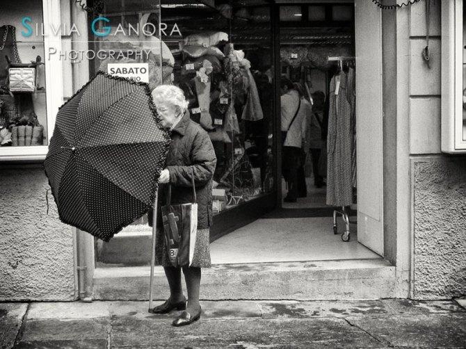 Better open the umbrella - Copyright Silvia Ganora Photography