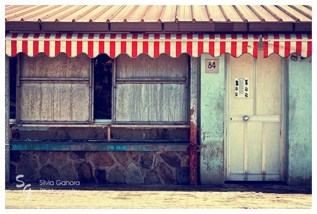 Red striped tent - ©Silvia Ganora Photography - All Rights Reserved